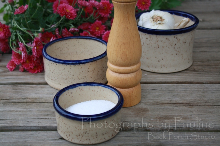 These stoneware country crocks are perfect for kitchen prep bowls or desk catchalls.